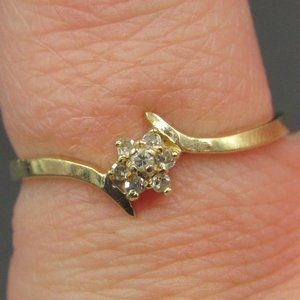 Size 5.75 10K Gold Yellow Flower Diamond Band Ring